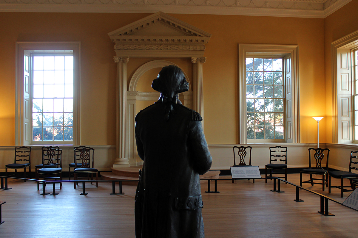 Statue of George Washington Resigning Commission at Maryland State House